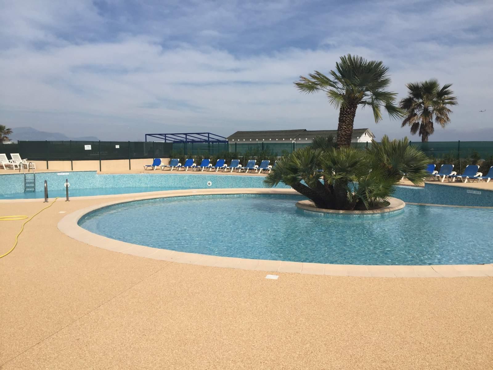 Chantier termin 500 m2 h tel sur la c te d 39 azur - Revetement de piscine resine colombes ...