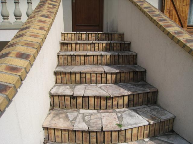 sur lan on de provence escaliers r nov s avec le marbreline rev tement r sine azur r sine. Black Bedroom Furniture Sets. Home Design Ideas