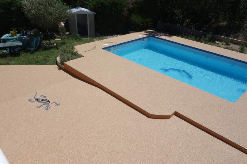 Revetement ideal pourtour de piscine azur r sine for Piscine en resine