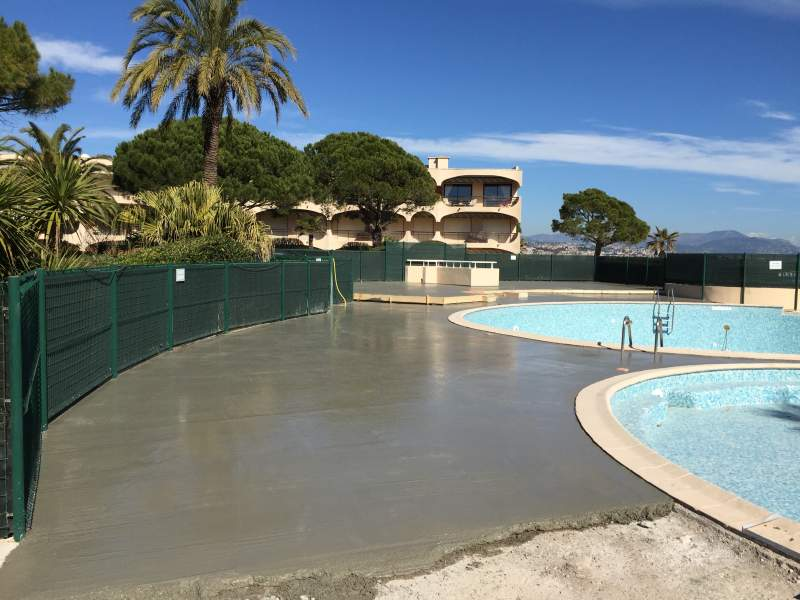 Rev tement pour entourage de piscine avignon 84000 azur for Piscine venelles